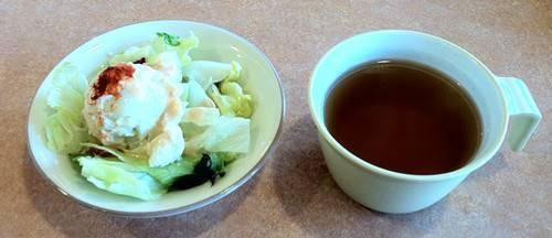 サイゼリヤ ランチ サラダ&スープ.JPG