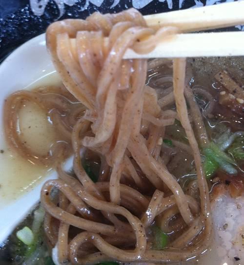 らあめん花月嵐 信州気むずかし家 コラボラーメン 麺.JPG