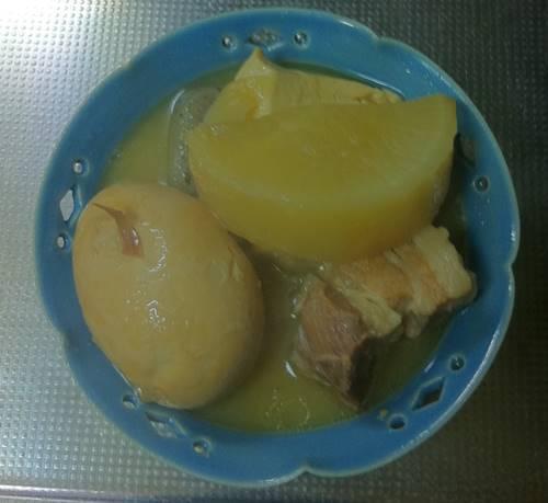 豚バラ肉と鳥皮煮込み2.JPG