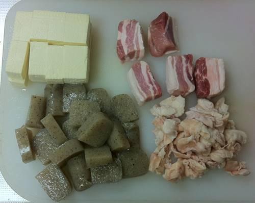 豚バラ肉と鳥皮煮込み 材料1.JPG