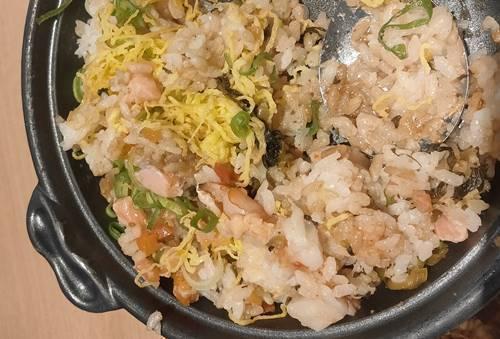 おひつごはん四六時中 サーモン炙り飯ランチ(1).jpg