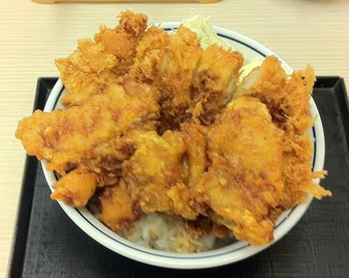 かつや チキンカツとから揚げの合い盛り丼.JPG