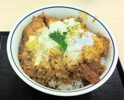 かつや チキンカレーカツ丼.JPG