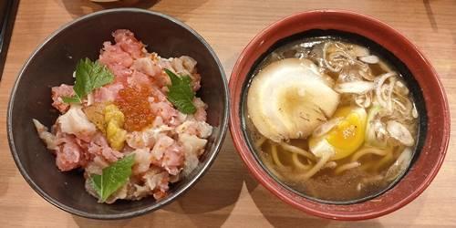 くら寿司 海鮮丼ランチ(麺セット).jpg