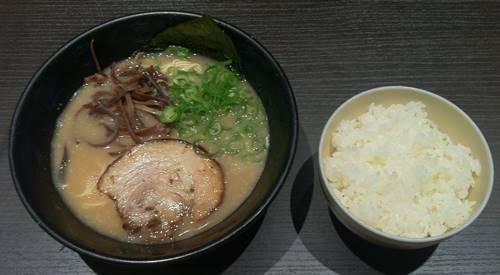 とんこつらーめん 俺式 純 豚骨ラーメン.JPG