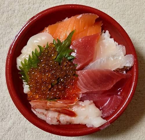 はま寿司 7種の海鮮丼.jpg