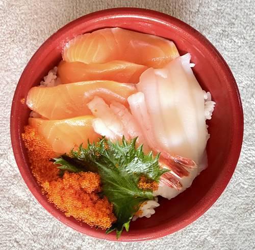 はま寿司 えび好きの二色丼.jpg