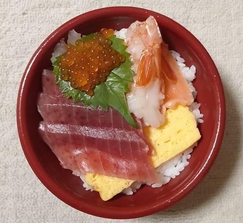 はま寿司 特上5種の海鮮丼.jpg