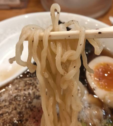 らあめん花月嵐 琴平荘 中華そば 麺.jpg