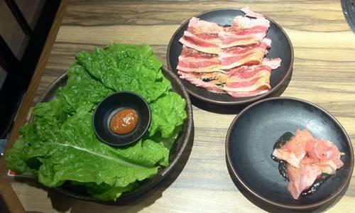 カルビ大将 カルビ タレ&塩&サンチュ&鶏肉.JPG