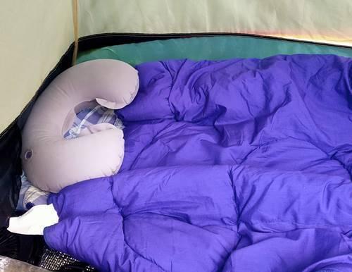 キャンプ テント内.jpg