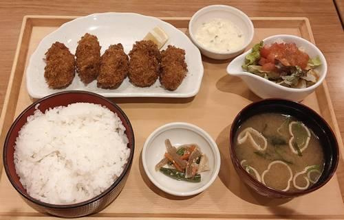 ココス 広島県産牡蠣フライ膳.jpg