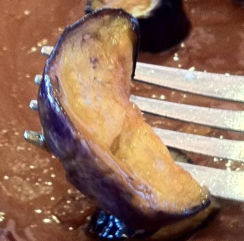 サイゼリヤ 鶏肉のオーブン焼き 茄子.JPG