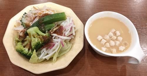 ビッグボーイ サラダ&コーンスープ(1).jpg