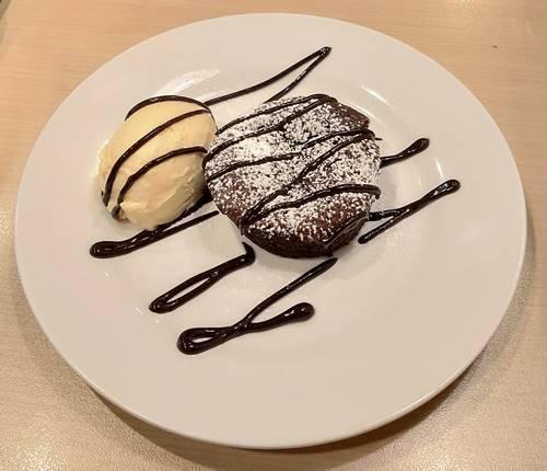 モワルーショコラ・ソフトクリームトッピング.jpg