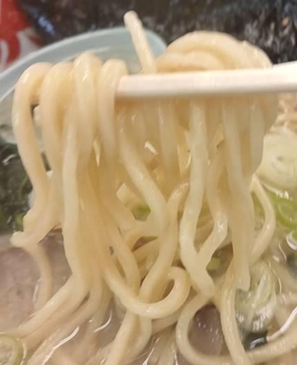 ラーメン山岡家 麺.jpg