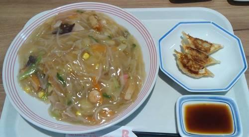 リンガーハット 太めん皿うどん&餃子.JPG
