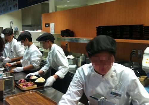 ローストビーフ星 オープンキッチン.JPG