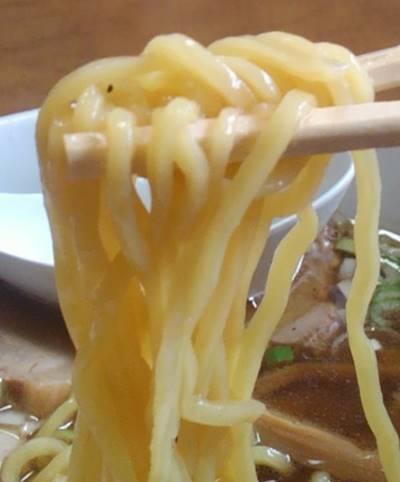 丸仙食堂 ラーメン 麺.JPG
