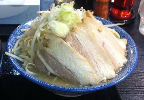 優勝軒 富士チャーシュー麺.JPG