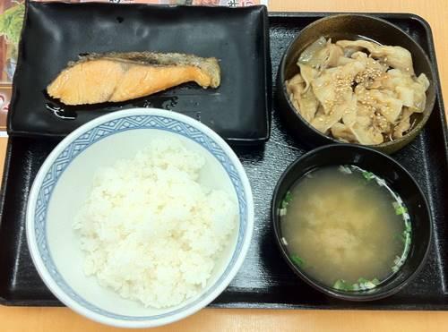 吉野家 豚鮭定食.JPG