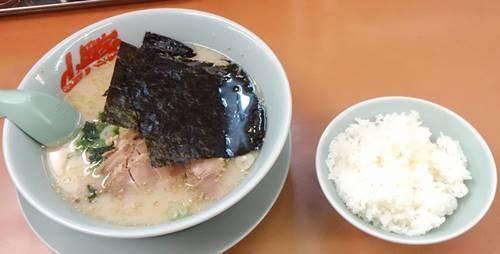 山岡家 塩ラーメン&半ライス.JPG