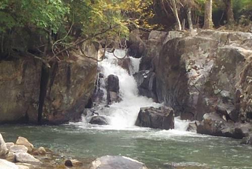 山鶏滝 女滝1.JPG
