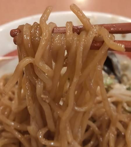 幸楽苑 ソースまぜめん 麺.jpg