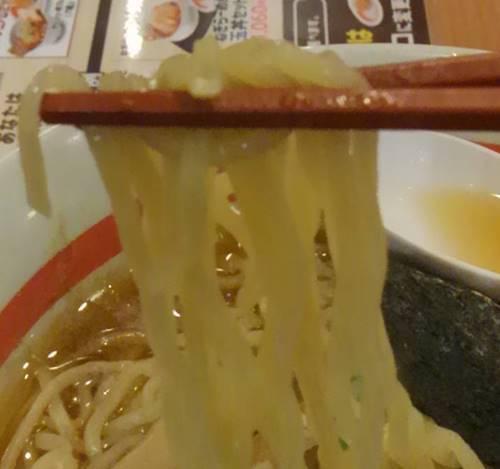 幸楽苑 中華そばクラシック 麺.JPG