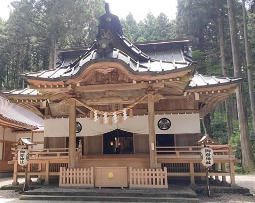 御岩神社 本殿.jpg