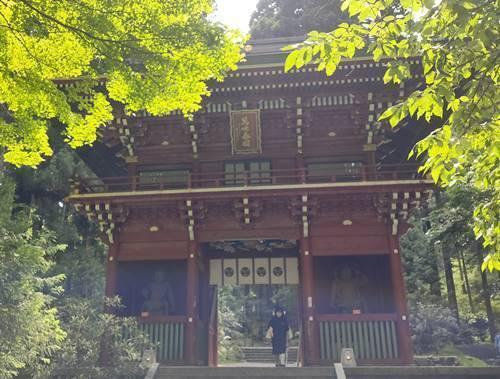 御岩神社 楼門.jpg