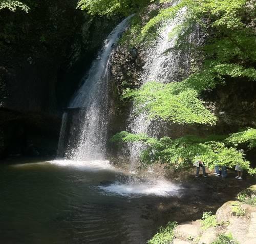 月持の滝.JPG