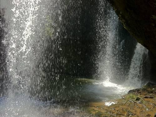 月持の滝1.JPG