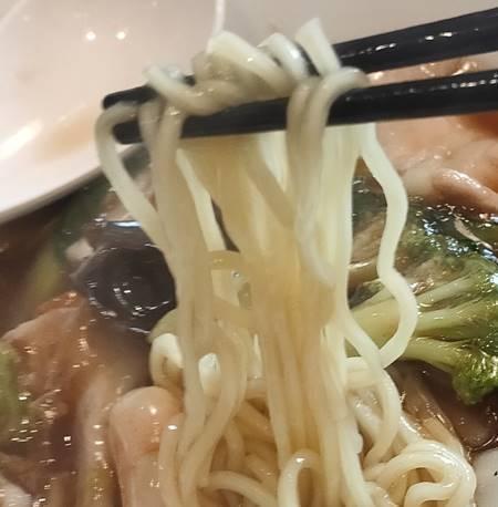 東京餃子軒 五目あんかけそば 麺.jpg