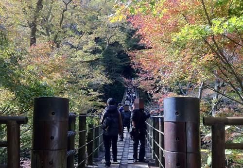 汐見滝吊り橋.JPG