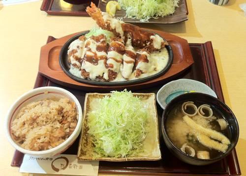 熟成とんかつ まる兵衛 大海老とチーズカツ定食1.JPG