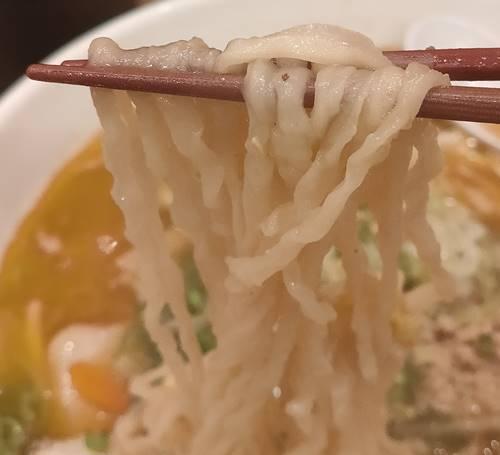 白河手打中華そば 大志 エビスヤいわき分店 麺.jpg