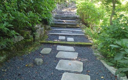 石都々古和気神社 希望の小径.JPG