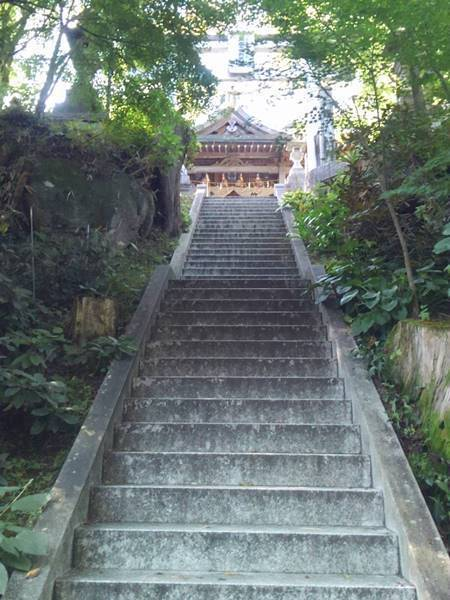 石都々古和気神社 石段1.JPG