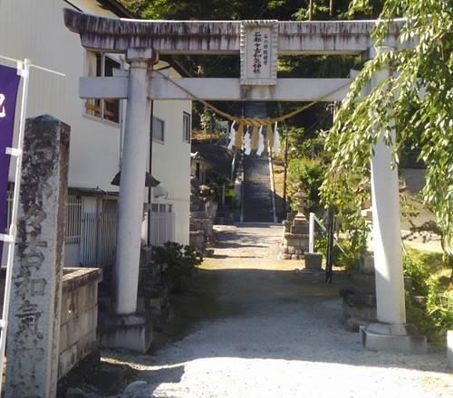 石都々古和気神社 鳥居.JPG