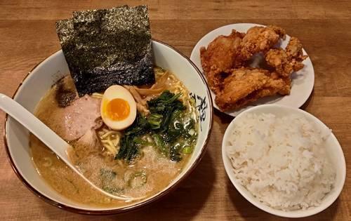 究極ラーメン横濱家 醤油ラーメン 唐揚げAセット.jpg