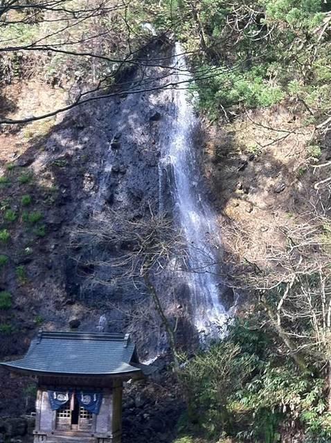 羽黒山 滝.JPG