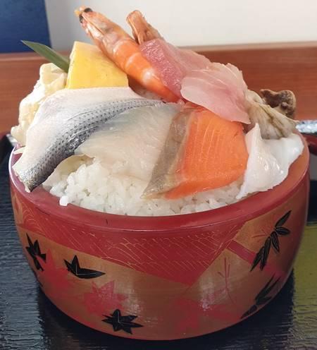 魚処 和 海鮮ちらし寿司 (1).jpg