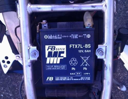 KLX125 バッテリー1.JPG